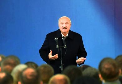 Народ безмолвствует и спит. Революционная ситуация: белорусы хотят, а Лукашенко не может...